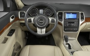 Jeep-Grand-Cherokee-2011-Interieur