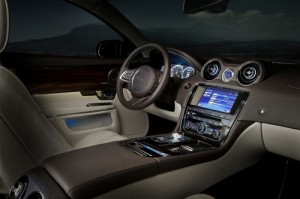 Jaguar-XJ-2011-Interieur